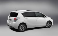 New Auris Touring Sports